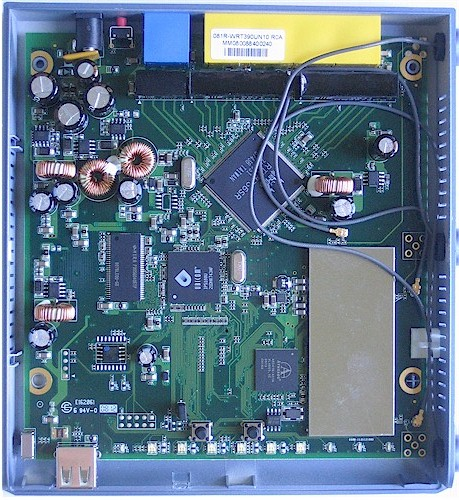 Internal board view of the SMCWGBR14-N - reviewed product