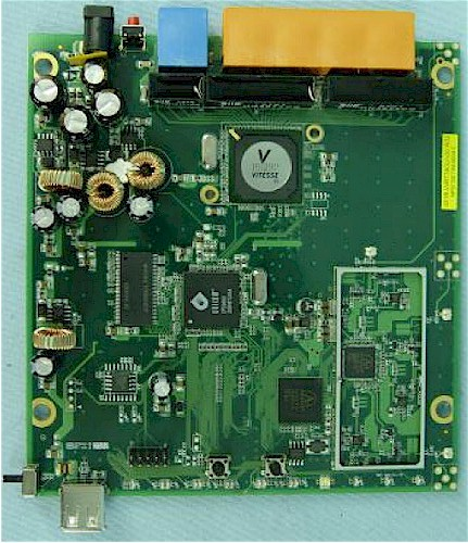 Internal board view of the SMCWGBR14-N and TEW-633GR  - FCC photo