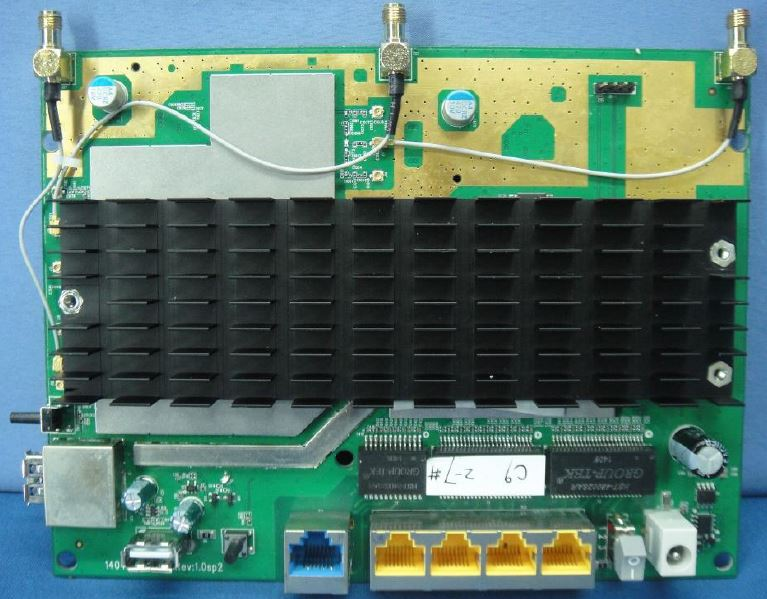 TP-LINK Archer C9 board with heatsink