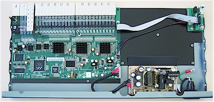 Figure 1: FS728TS inside look (click image to enlarge)