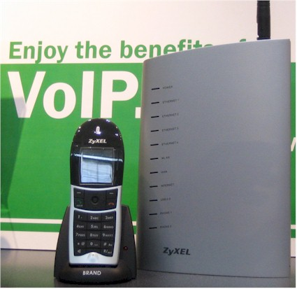 ZyXEL Wireless VoIP Gateway with DECT Station